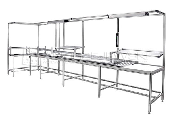 Assembly line with roller conveyors