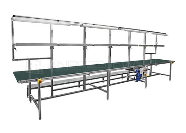Assembly station with belt conveyor