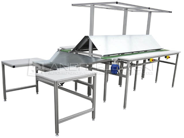 Assembly station with belt conveyors